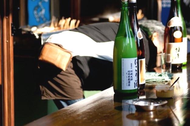 居酒屋で飲み会